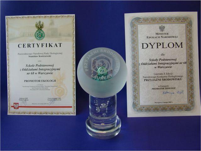Certyfikat Prromotor Ekologii, Dyplom Przyjaźni Środowisku oraz statuetka