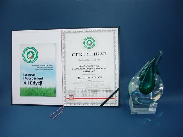 Certyfikat Promot Ekologii oraz statuetka